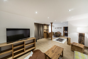 Massivholzmöbel im Wohnbereich